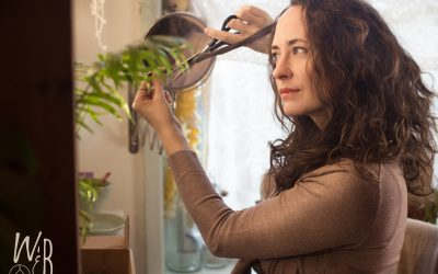 How to cut your own curls
